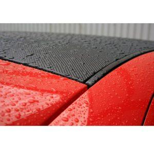 autocollant-en-fibre-de-carbone-sur-toit-de-voiture