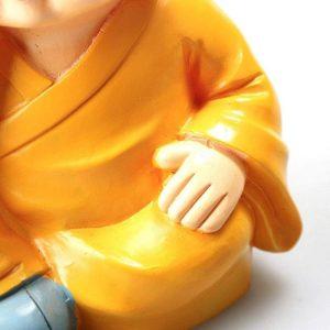 decoration-de-voiture-petits-moines-vue-de-pres
