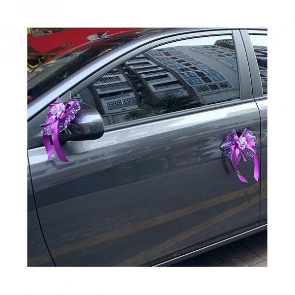 decoration-de-voiture-pour-mariage-avec fleurs-mis-sur-voiture