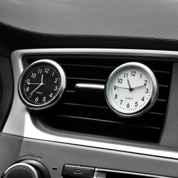 horloge pour voiture avec fixation