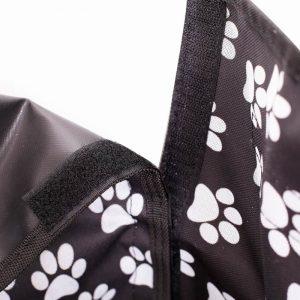 protection-de-coffre-de-voiture-pour-chien-zoom-sur-les-scratch