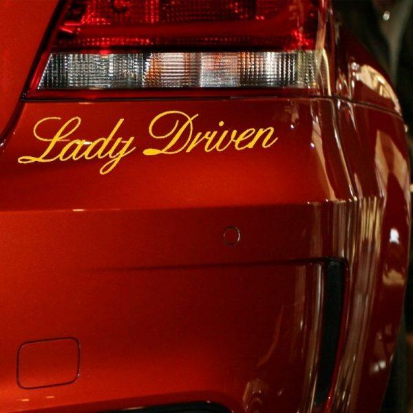 stickers-de-voiture-pour-femme-lady-driven-sur-voiture-rouge