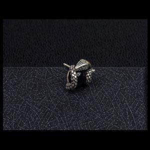 boucle-d-oreille-serpent-avec-pierre-noire