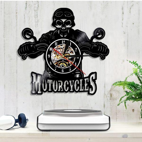 horloge-vintage-avec-motard