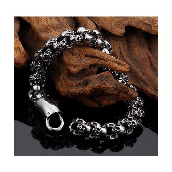 bracelet-tete-de-mort-sur-bois