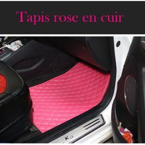Tapis de voiture rose